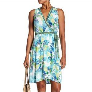 London Times V-Neck Sleeveless Tie Side Dress Sz 8